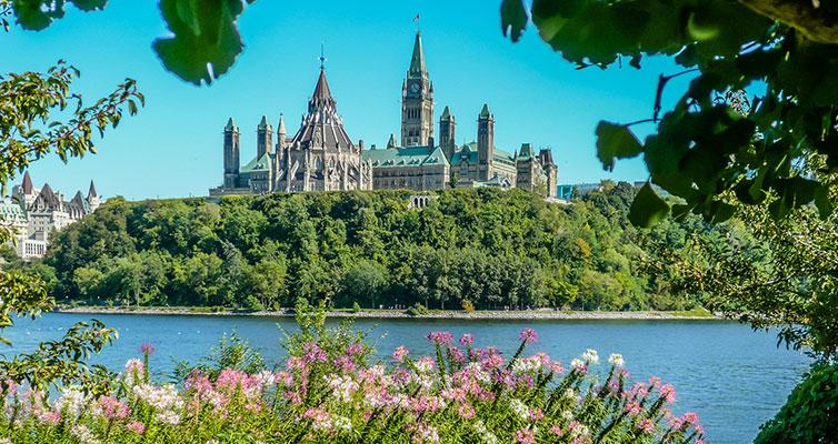 ساختمان دولت کانادا - اتاوا