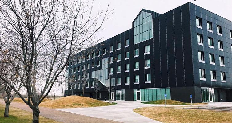 کالج آهوی قرمز کانادا